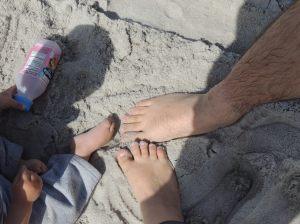 Pezinhos na areia do pacífico - Carmel